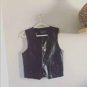 🌵3 for $39 Vintage leather Vest | M